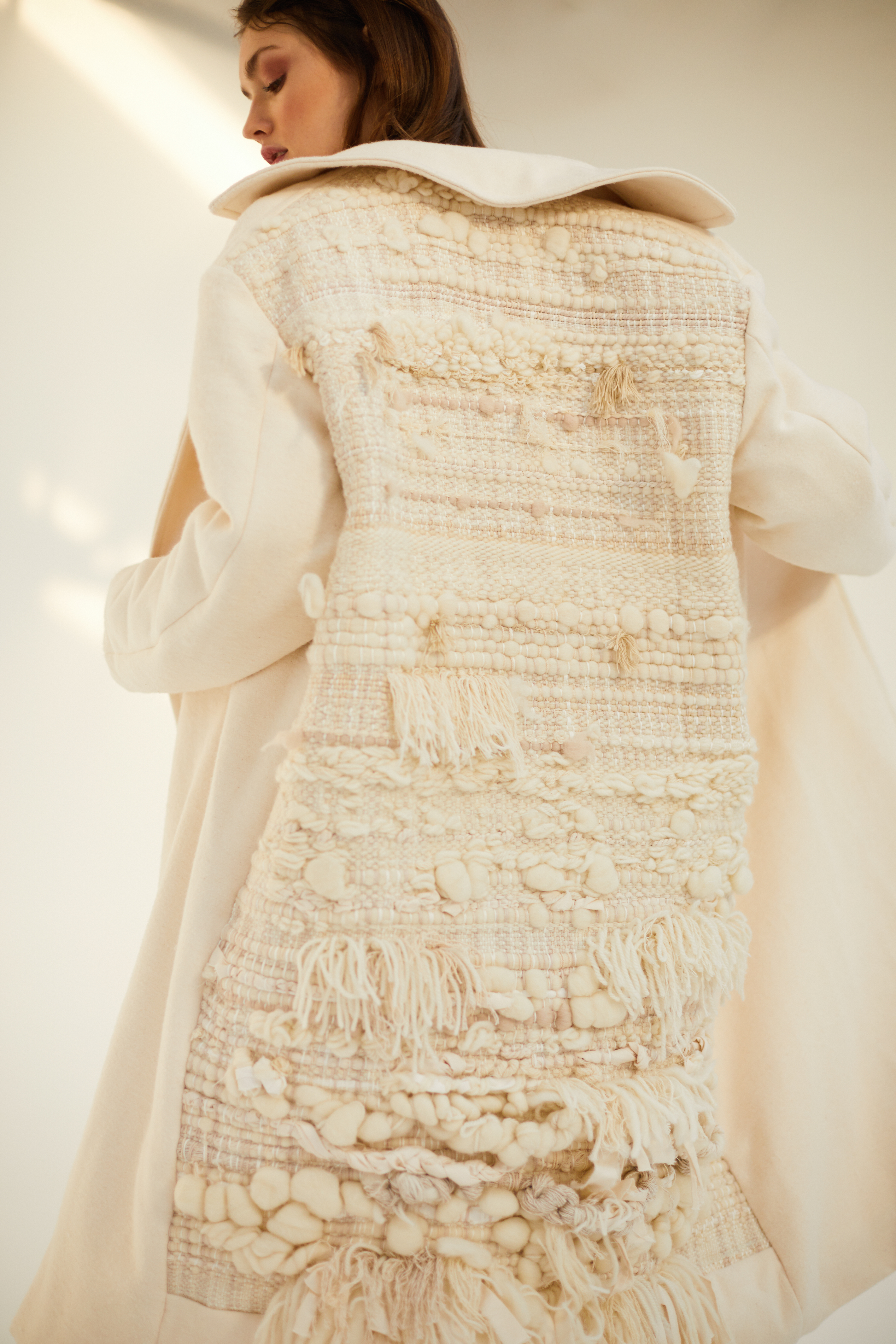 Sonia_Carrasco_Collection_Sustainable_Coat_tapestry_white_01